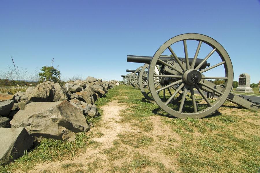 civil-war-cannons representing Charlottesville history