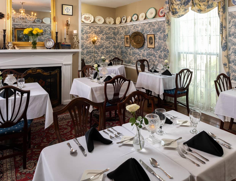 Prospect Hill In & Restaurant dining room