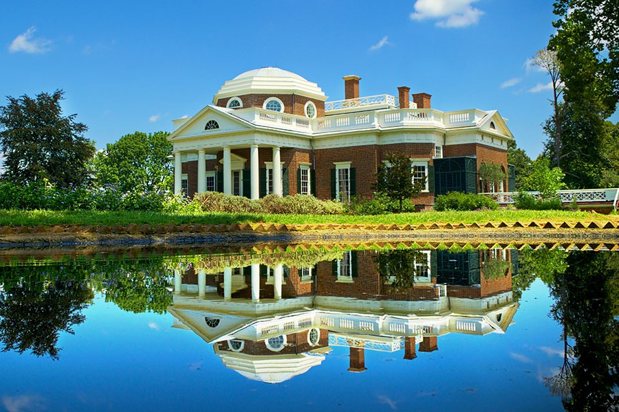 Thomas Jefferson's home (Monticello) with reflection in pons